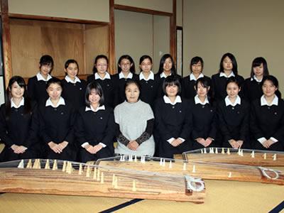 吉原高等学校制服画像